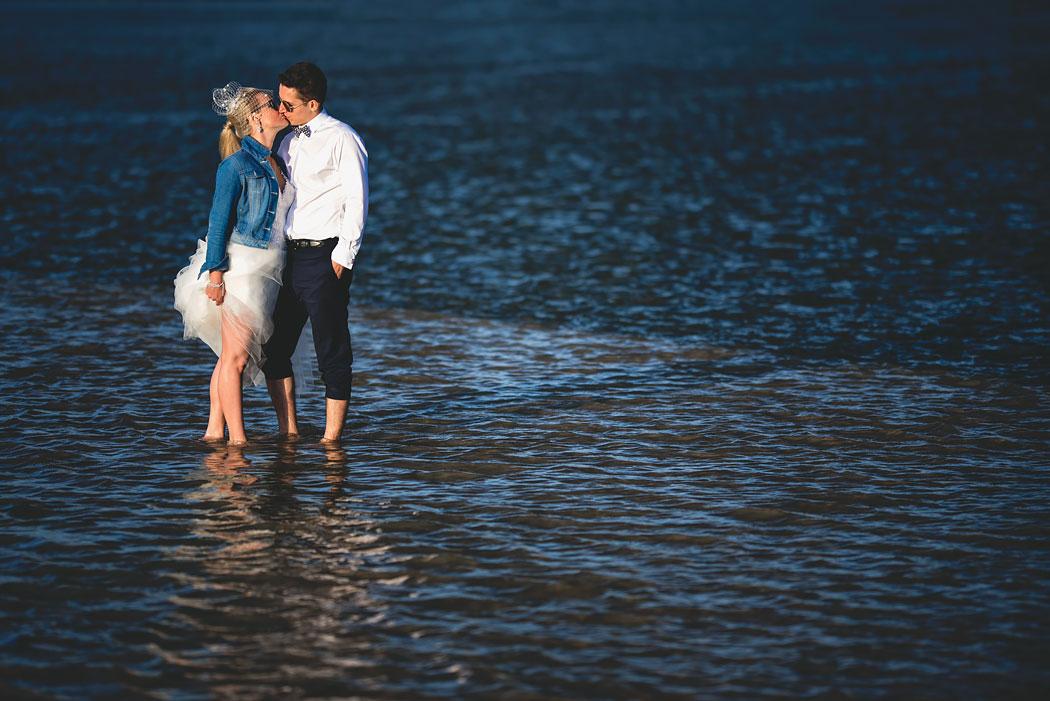 zdjęcie pleneru ślubnego wykonane na wodzie